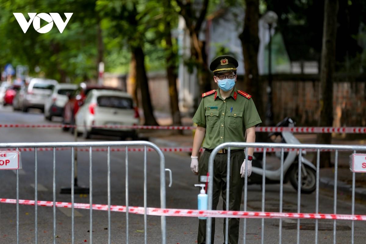 Ha Noi phong toa 2 phuong Van Mieu, Van Chuong trong 14 ngay-Hinh-11