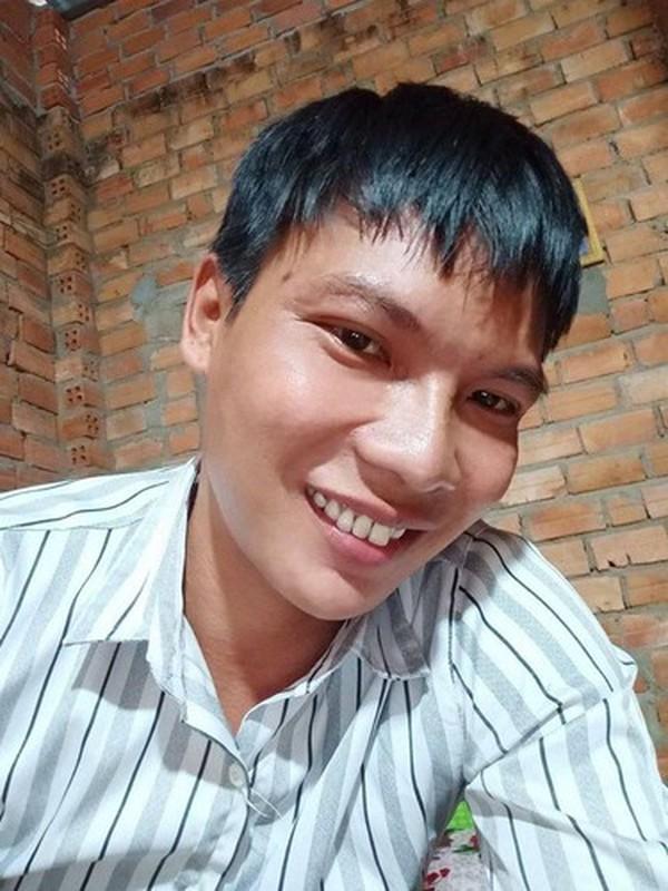 Loc Fuho dua vo moi thang bao tien khien netizen