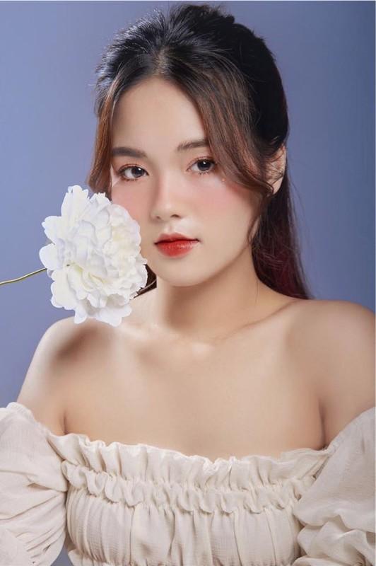 Dep chuan nang tho, nu sinh DH Thuong Mai gay me van nguoi