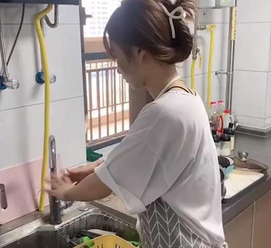 Can loi co gai rua thit bang nuoc rua bat, netizen hua vao treu-Hinh-3