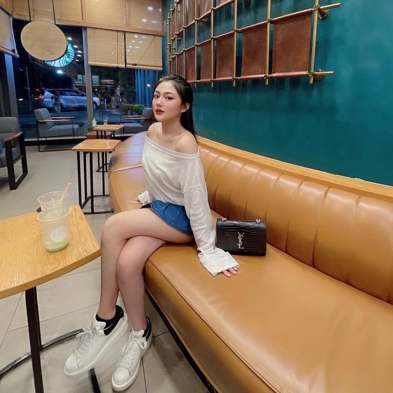 Nu sinh ten Trieu Vy tung dinh dam mang xa hoi gio ra sao?-Hinh-11