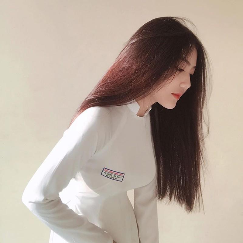 Nu sinh ten Trieu Vy tung dinh dam mang xa hoi gio ra sao?-Hinh-2