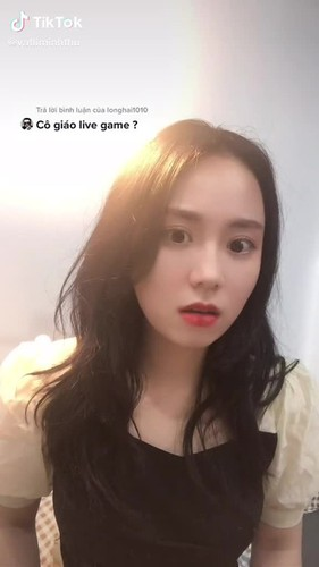 An theo ban thang Quang Hai, co giao Minh Thu bi netizen chi trich-Hinh-11