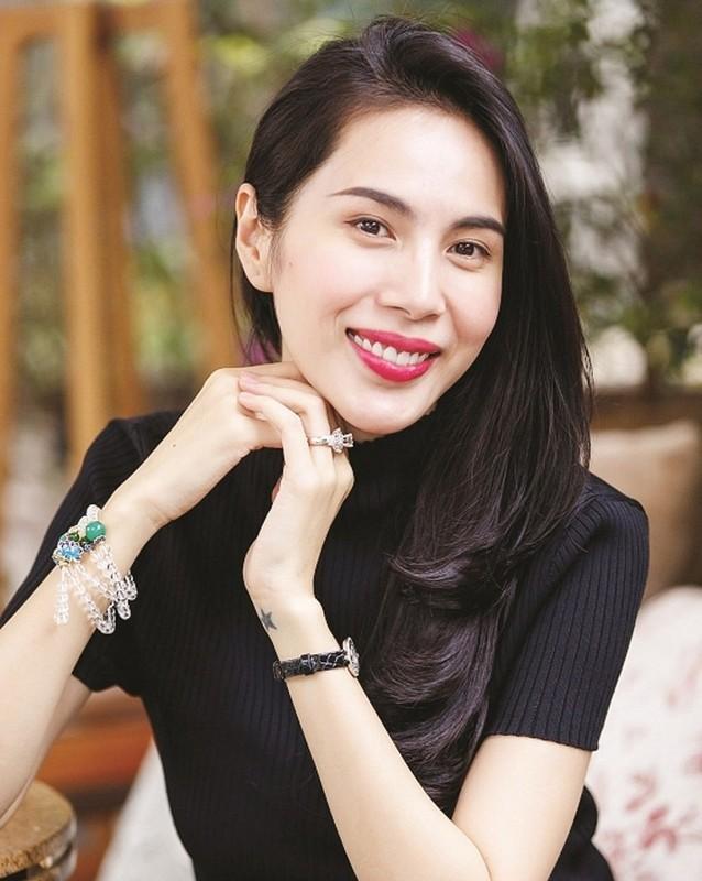 "Phat ngon ""chat lu"" cua Cong Vinh truoc ""tran dau"" voi ba Phuong Hang-Hinh-9"