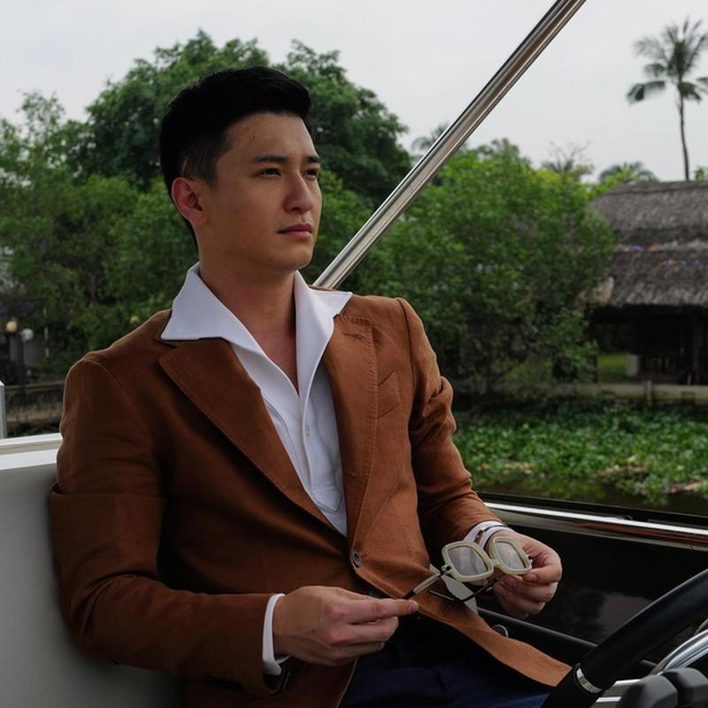 Mac ke binh luan kem duyen, Huynh Anh benh vuc ban gai moi-Hinh-6