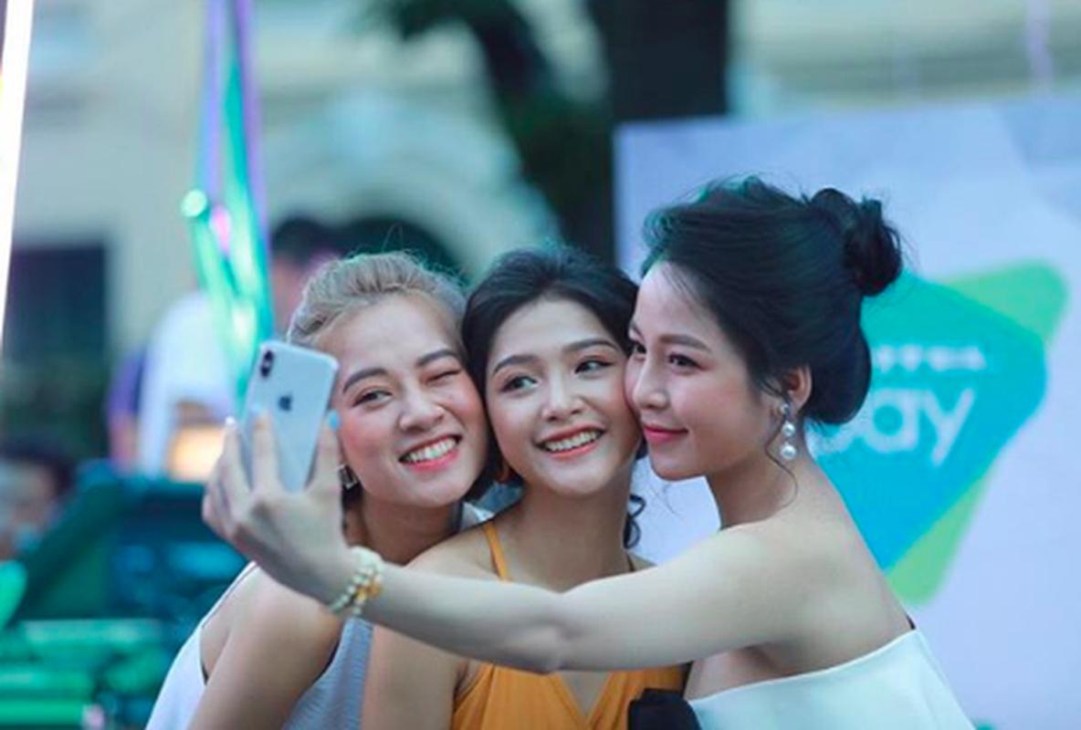 Diem loat phot to dung cua hot girl Ha thanh Truong Hoang Mai Anh-Hinh-10