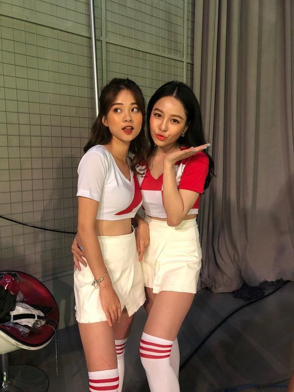 Diem loat phot to dung cua hot girl Ha thanh Truong Hoang Mai Anh-Hinh-7