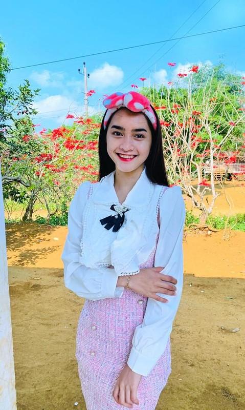 Hot girl dan toc Bana trieu view so huu nhan sac kho roi mat-Hinh-9