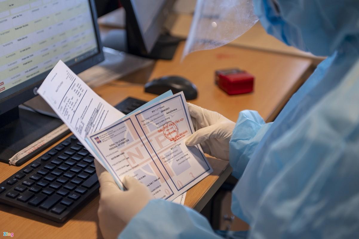 "345 khach dung ""ho chieu vaccine"" tu My ve den Viet Nam-Hinh-8"