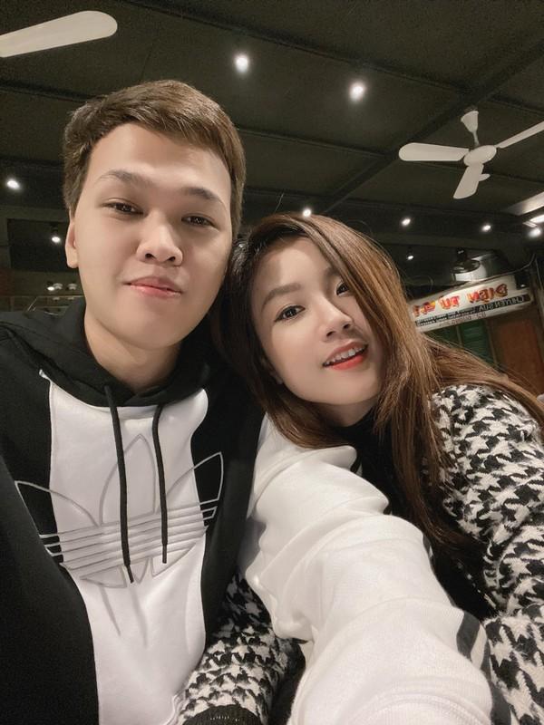 Bao tin vui, vo Chim Se Di Nang bi netizen soi sac voc-Hinh-7