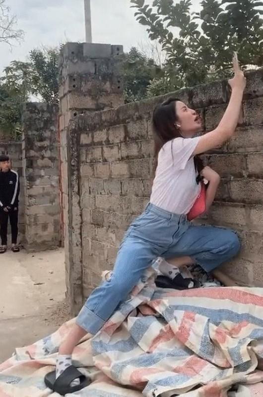 Bo Quang Hai khien netizen mat tap trung vi dang dung khieu khich-Hinh-4