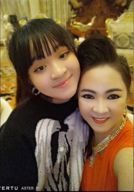 Tung anh cuc hiem cung cac con, ba Phuong Hang to niem hanh phuc-Hinh-10