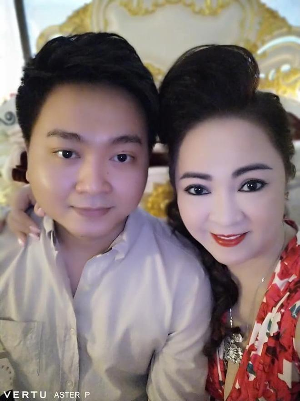 Tung anh cuc hiem cung cac con, ba Phuong Hang to niem hanh phuc-Hinh-6