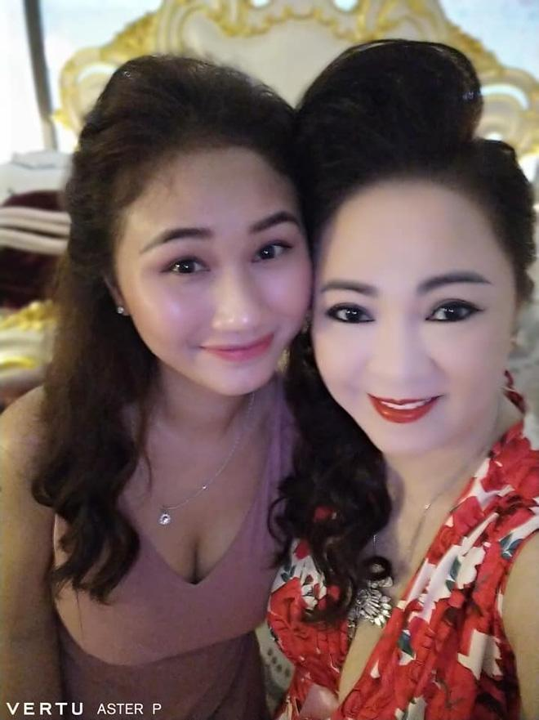 Tung anh cuc hiem cung cac con, ba Phuong Hang to niem hanh phuc-Hinh-8