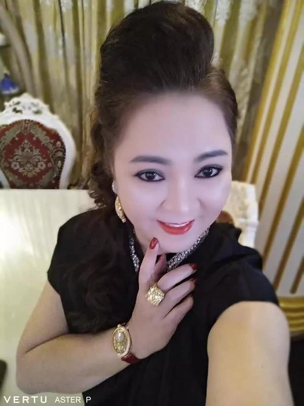 """Selfie tram cai nhu mot, ba Phuong Hang tung duoc """"cau IT"""" gop y-Hinh-4"""