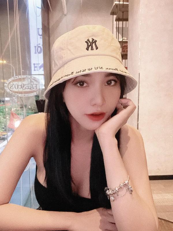 """Khoe dang nong bong, ban gai Hoang Duc """"dai mat"""" netizen-Hinh-11"""