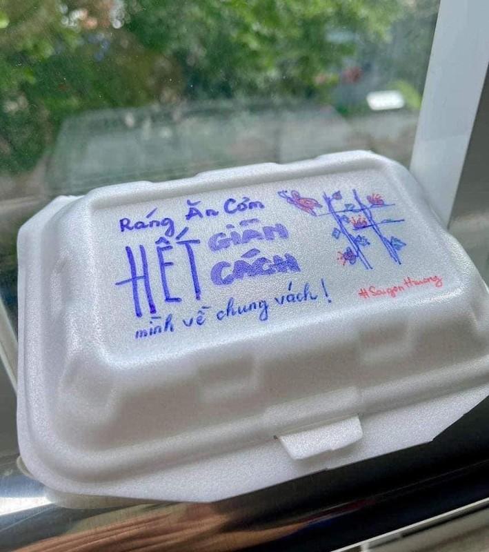 Hop com tu thien mua dich Sai Gon co gi khien netizen phat sot?-Hinh-4