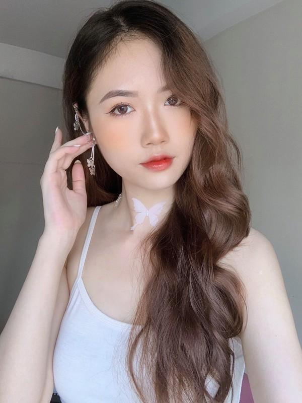 Hot girl 2K lo vong eo tru danh lam bao chang trai ngat ngay-Hinh-12