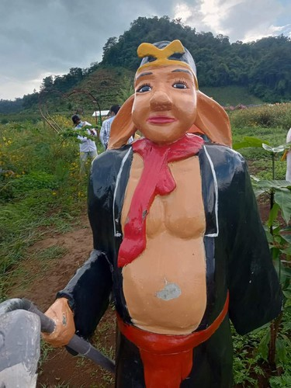 "Het hon loat tuong ""tham hoa"" gay tranh cai tren coi mang-Hinh-3"