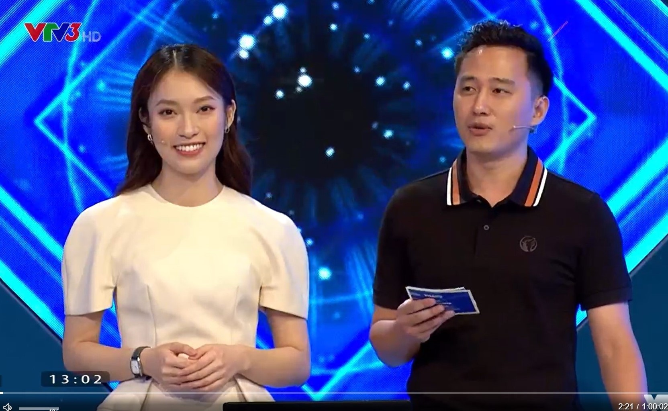 "Thay MC Diep Chi, ""hot girl 7 thu tieng"" bi khui anh tao bao-Hinh-2"