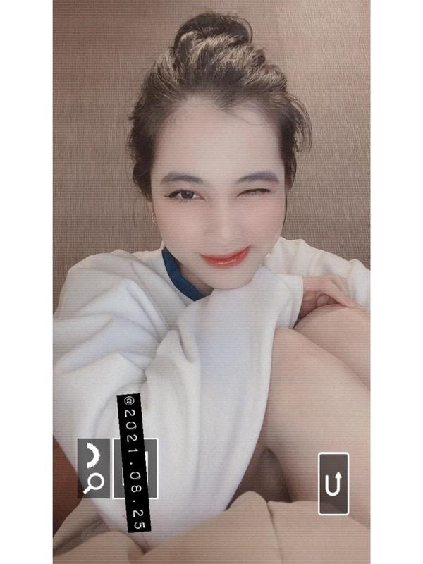 Chinh anh lo tay, gai xinh Cam Dan bi netizen boc phot chi tiet-Hinh-9