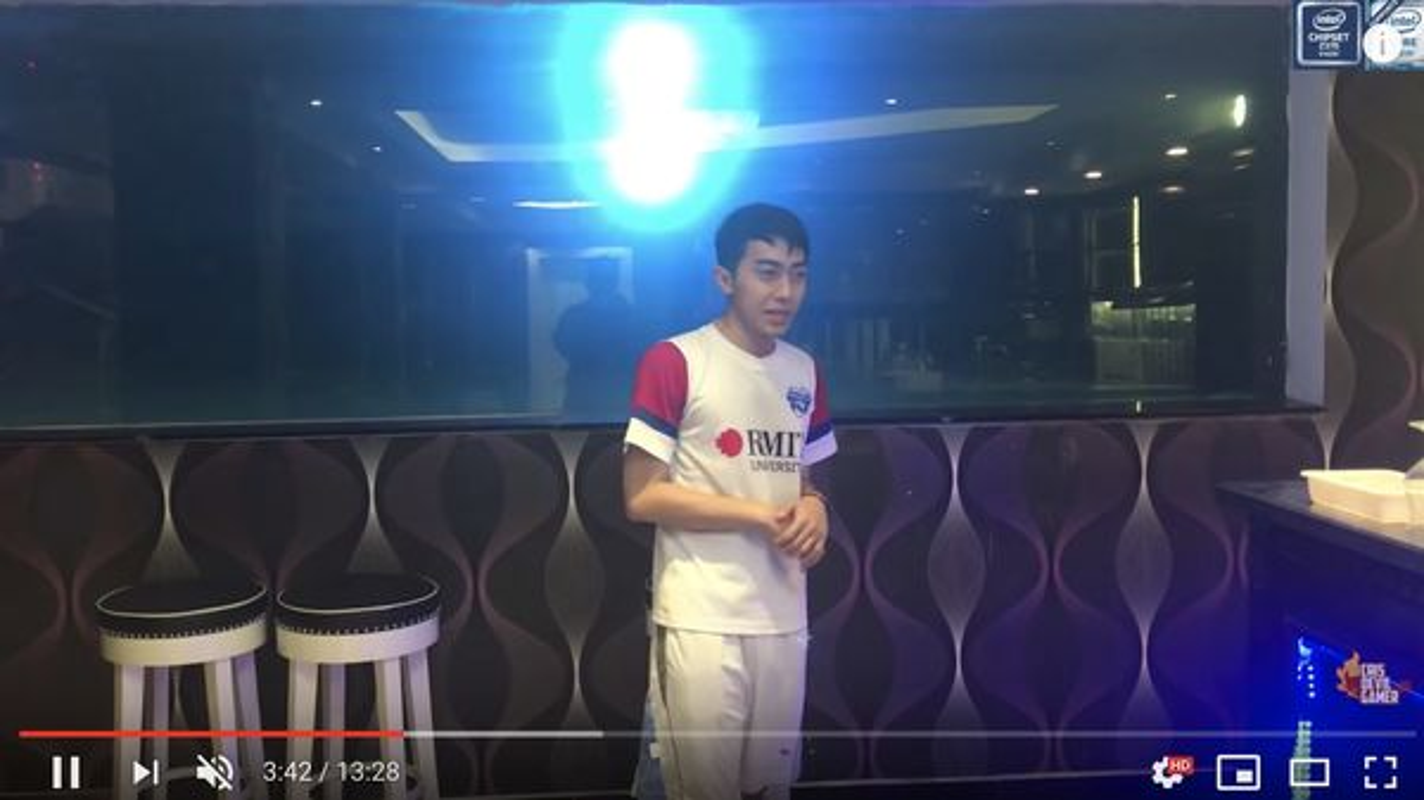 "Thieu gia ""am"" nut kim cuong Youtuber, nhin gia san choang vang-Hinh-6"