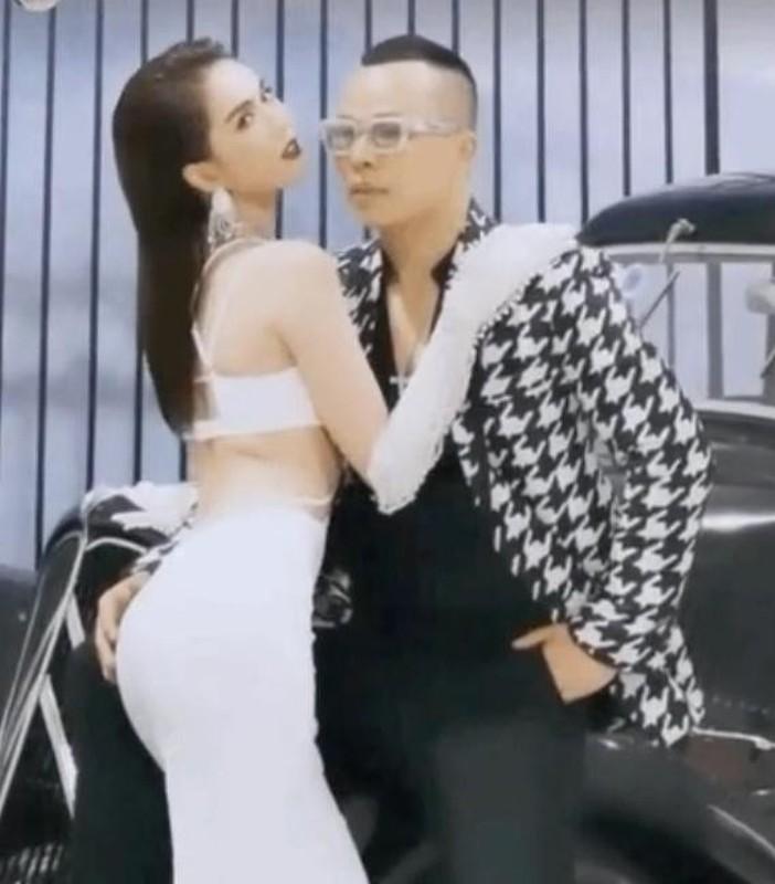 """Chup anh cung Ngoc Trinh, Vu Khac Tiep lo """"ban tay hu""""-Hinh-5"""