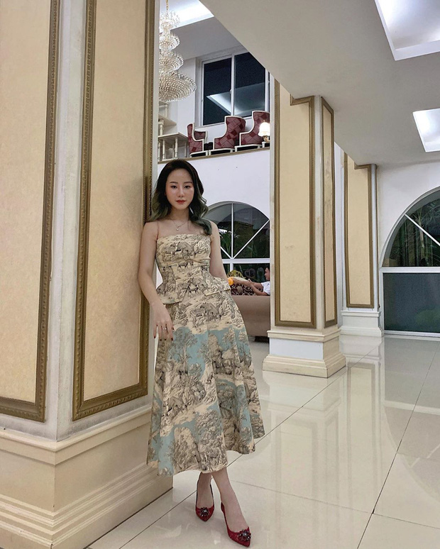 """Hot girl RMIT gay choang voi thu vui sam hang hieu gia """"khung""""-Hinh-12"""