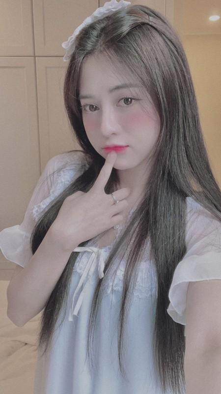 Lo vong eo 58 cung doi chan dai, nu streamer 9X gay sot mang-Hinh-4