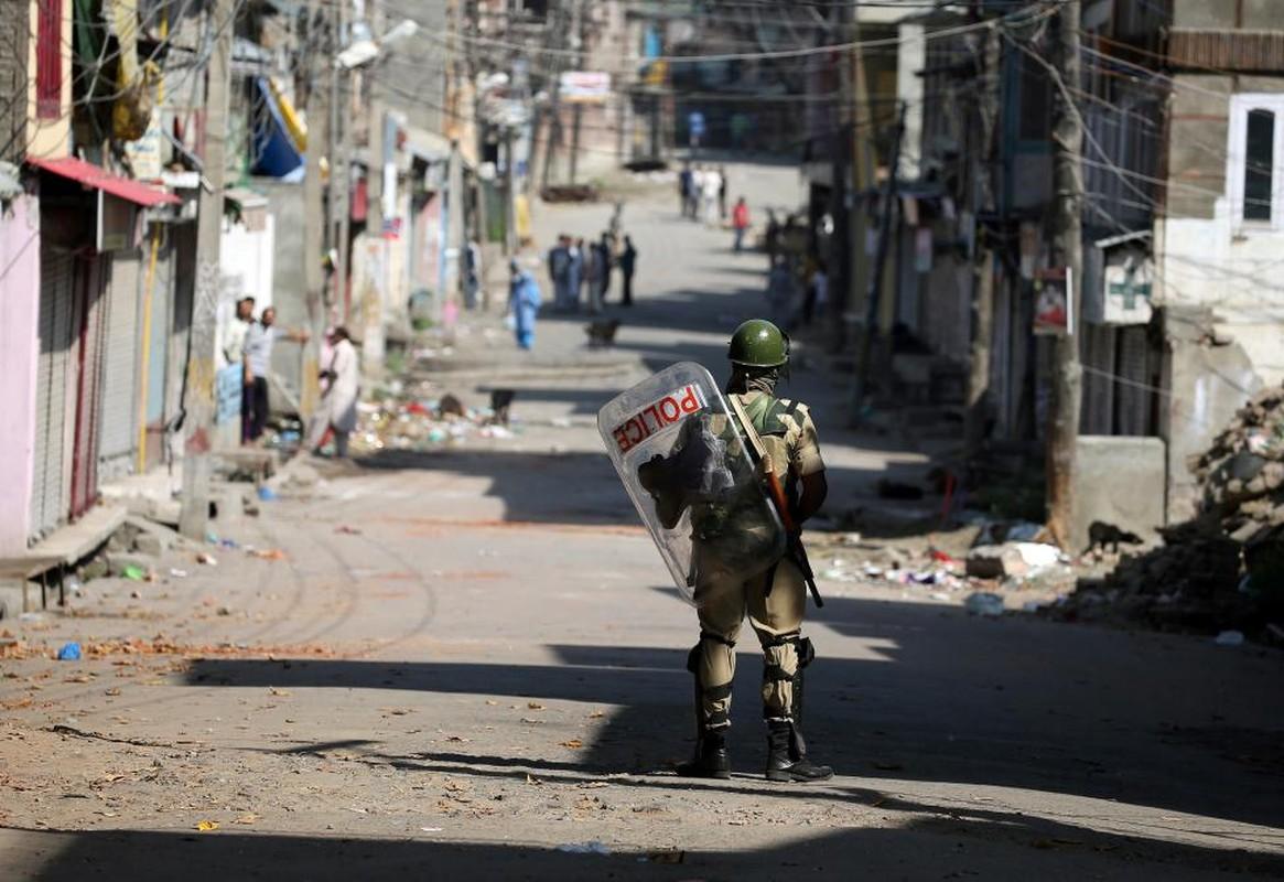 Loat anh nong ve cang thang o khu vuc Kashmir-Hinh-10