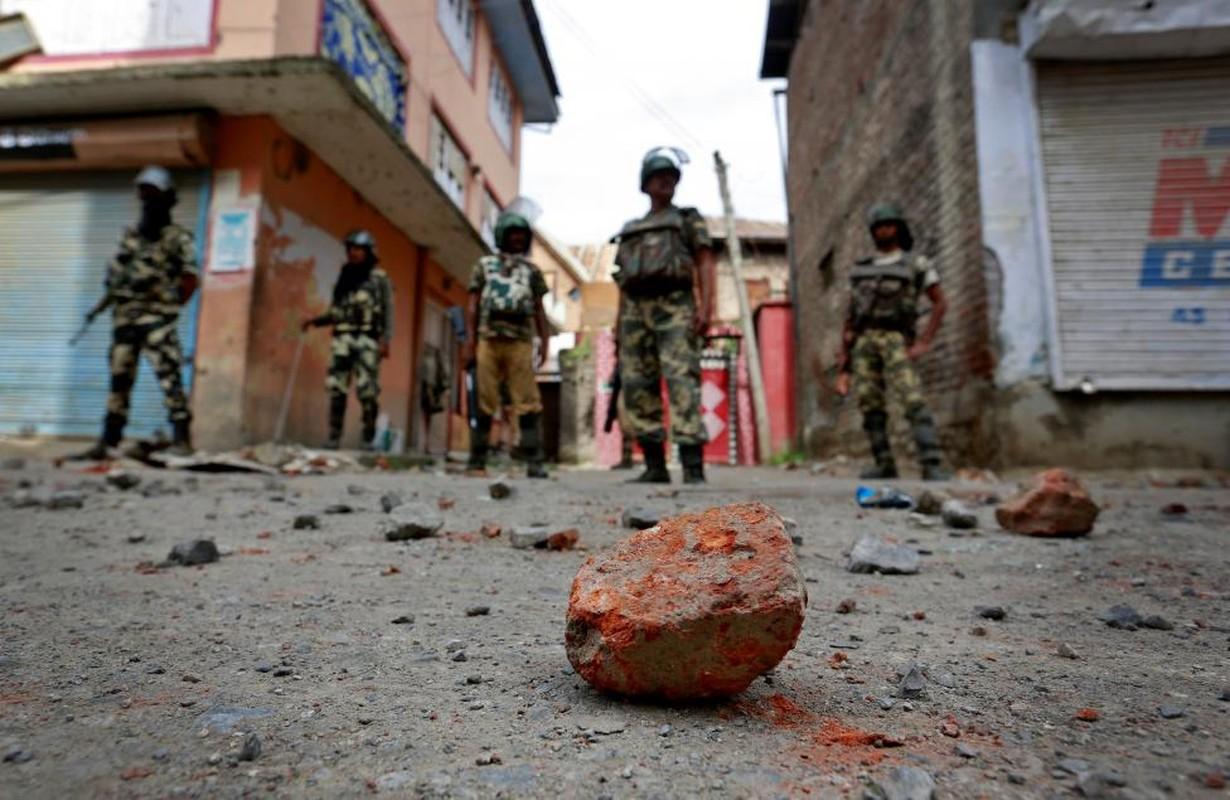 Loat anh nong ve cang thang o khu vuc Kashmir-Hinh-5