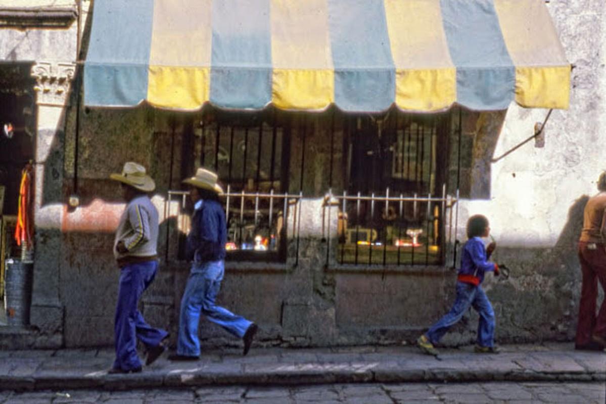 15 anh mau ghi lai cuoc song o Mexico nam 1980-Hinh-2