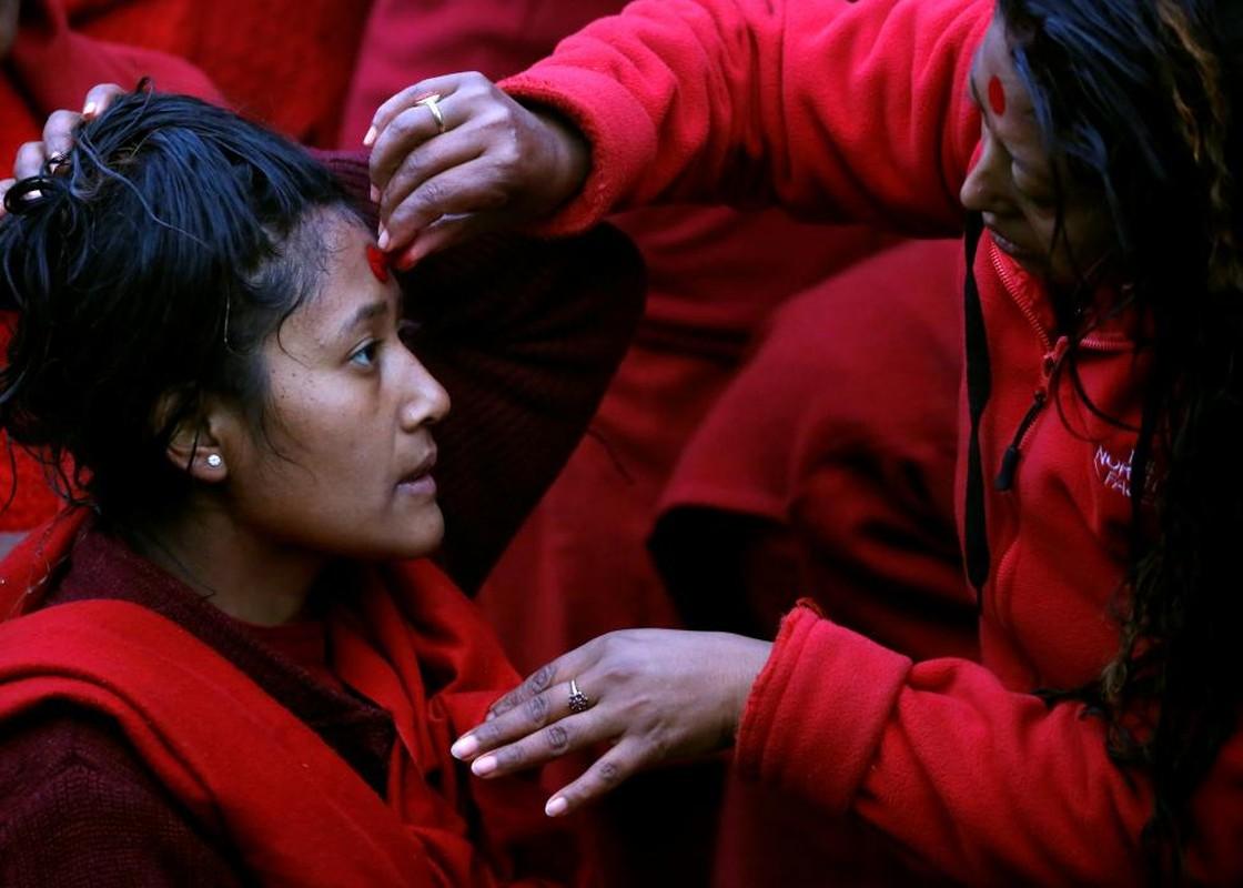 Anh doc ve le hoi tam thanh Swasthani Brata Katha o Nepal-Hinh-3