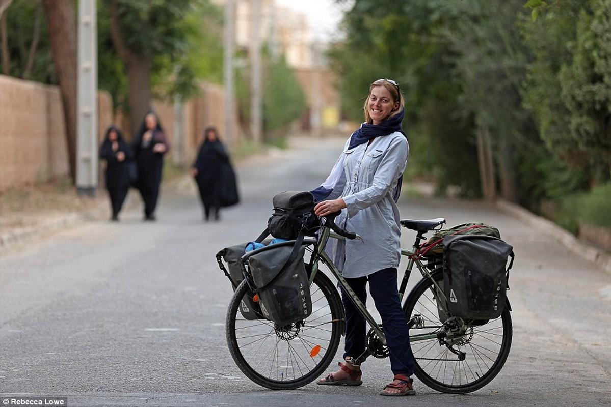 Hanh trinh kham pha Iran bang xe dap cua cong dan Anh
