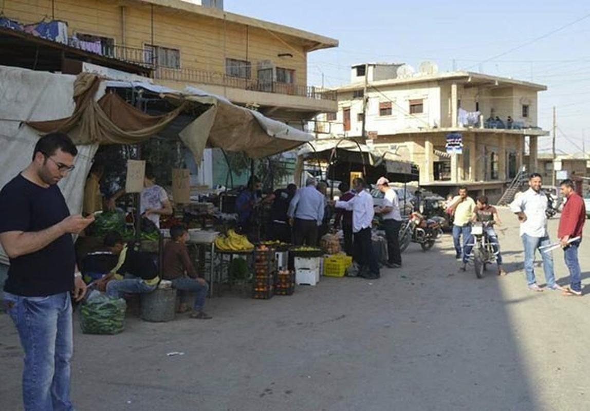 Dan Syria dua nhau mua sam chuan bi cho thang le Ramadan-Hinh-11