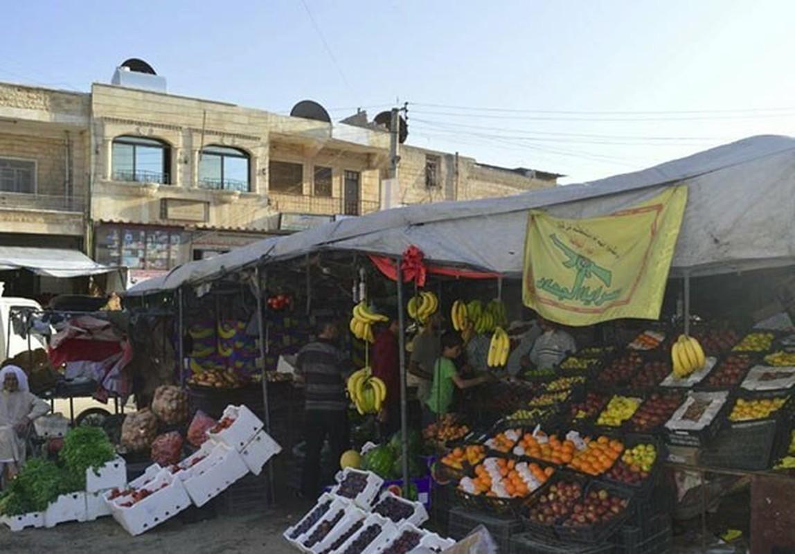 Dan Syria dua nhau mua sam chuan bi cho thang le Ramadan-Hinh-13
