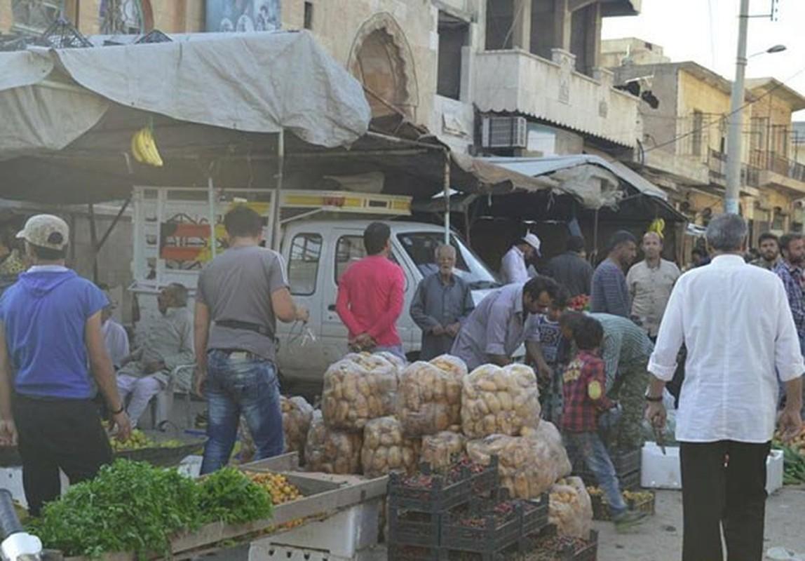Dan Syria dua nhau mua sam chuan bi cho thang le Ramadan-Hinh-15