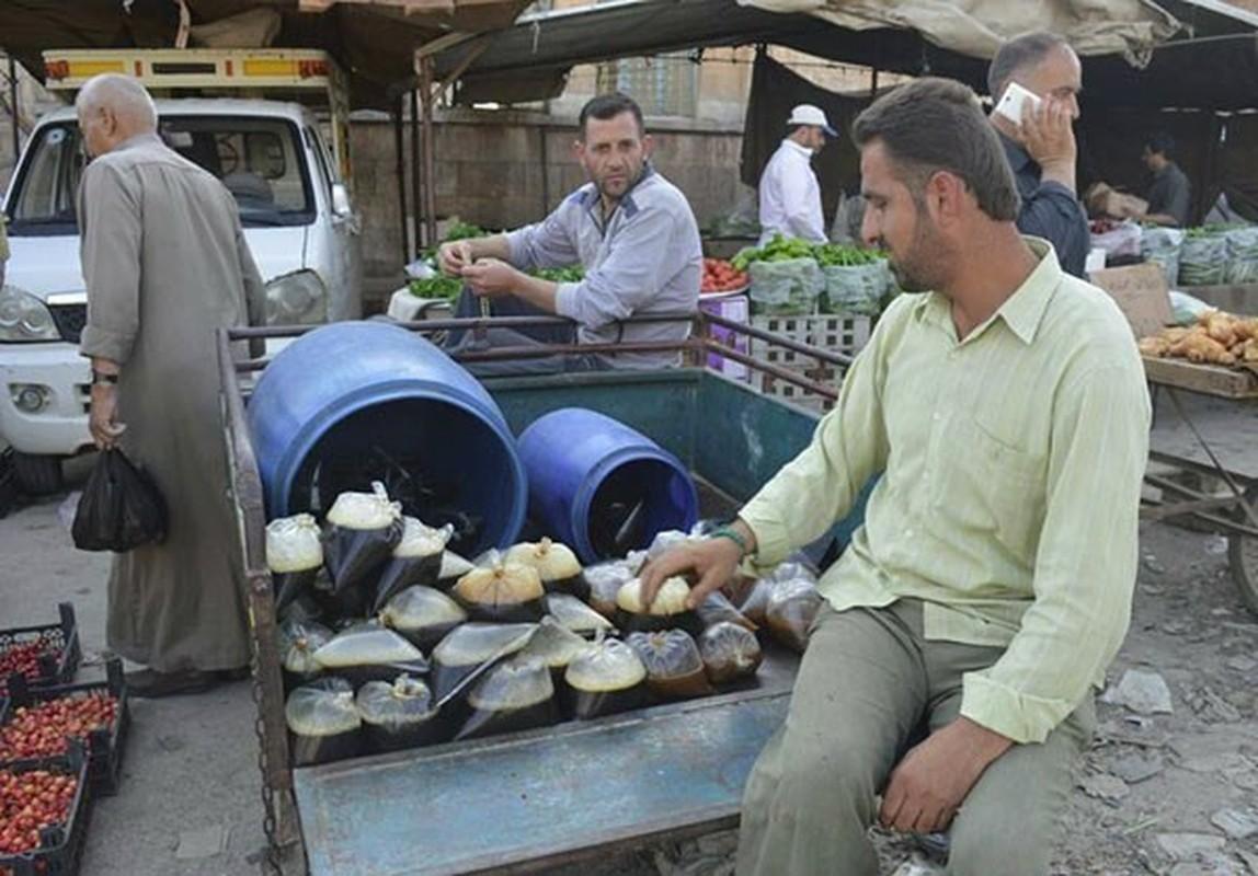 Dan Syria dua nhau mua sam chuan bi cho thang le Ramadan-Hinh-16