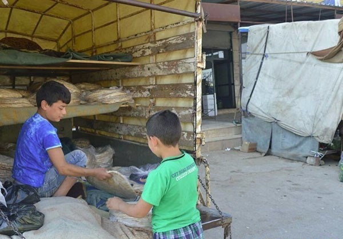 Dan Syria dua nhau mua sam chuan bi cho thang le Ramadan-Hinh-5
