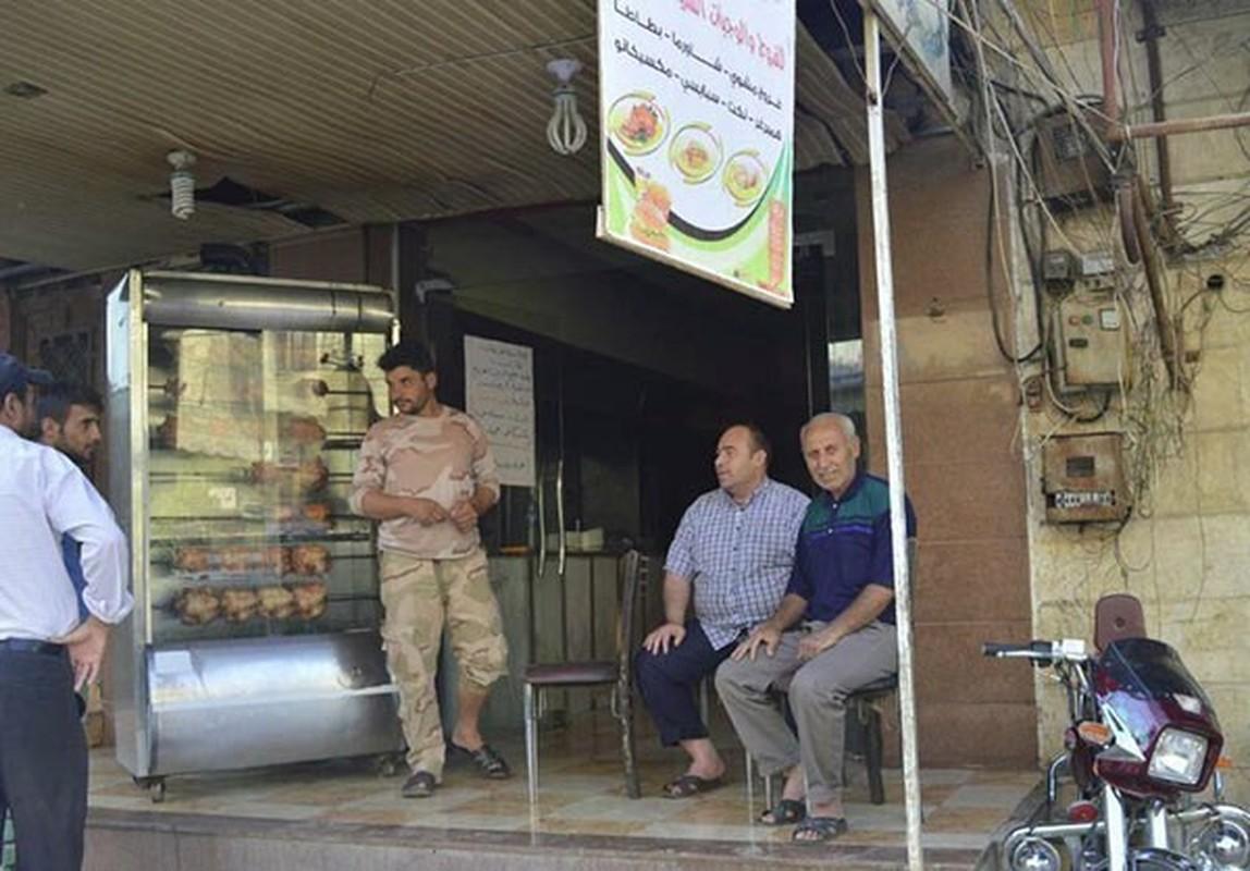 Dan Syria dua nhau mua sam chuan bi cho thang le Ramadan-Hinh-7