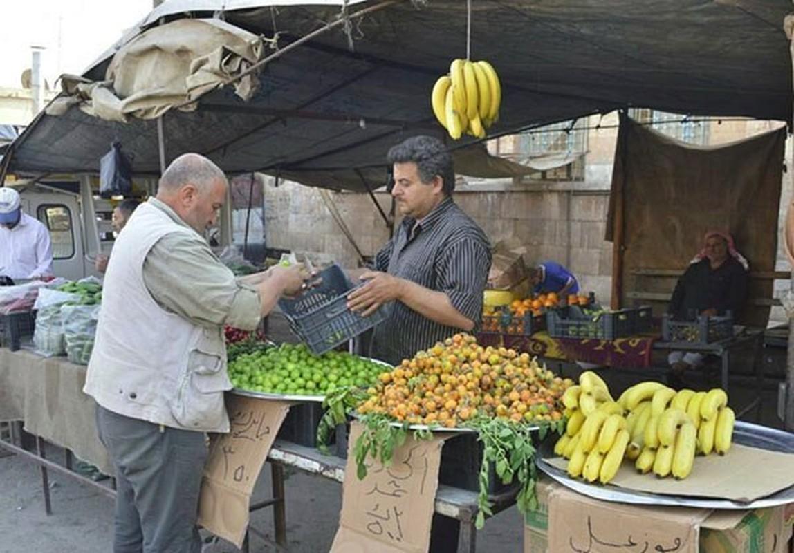 Dan Syria dua nhau mua sam chuan bi cho thang le Ramadan-Hinh-8