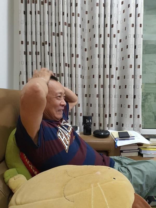MC Lai Van Sam va chum anh doi thuong cuc gan gui