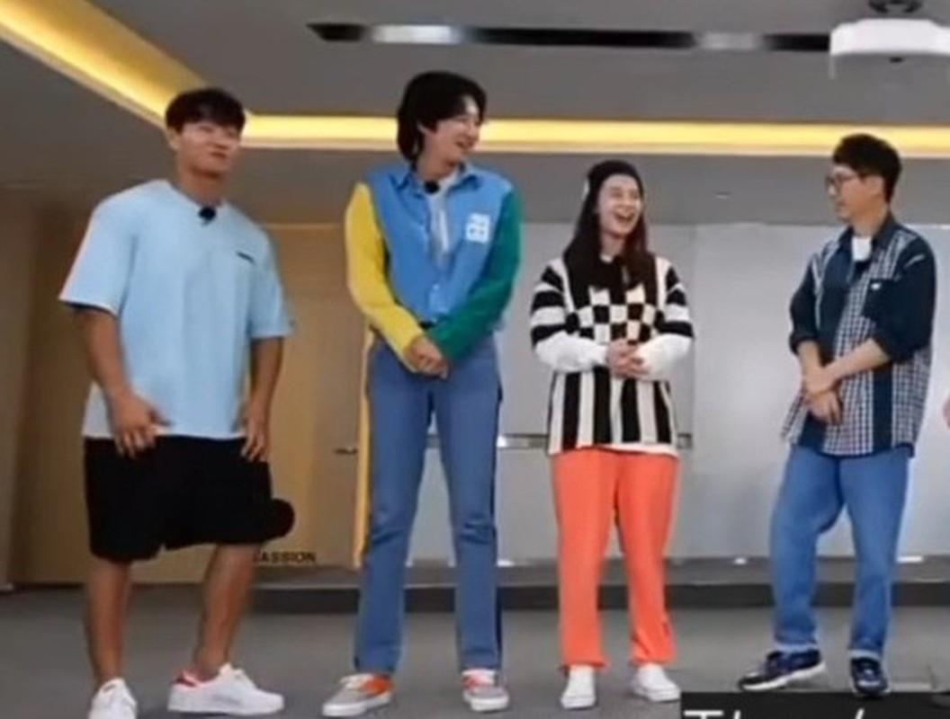 """""""Mo Ngo"""" Song Ji Hyo bi la o vi mac xau trong Running Man-Hinh-4"""