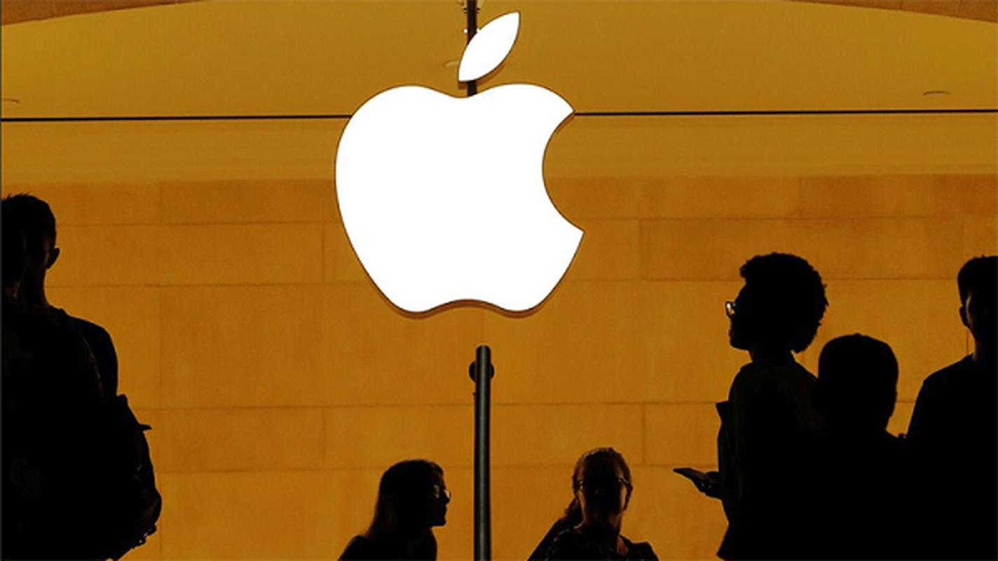 "Apple ""tra gia dat"" do giam tuoi tho pin, lam cham iPhone doi cu"
