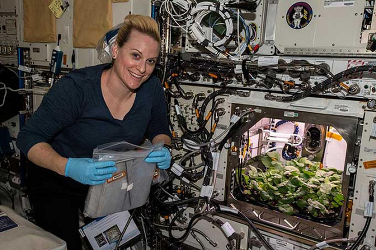 NASA trong thanh cong cu cai ngoai khong gian huong vi cuc ngon