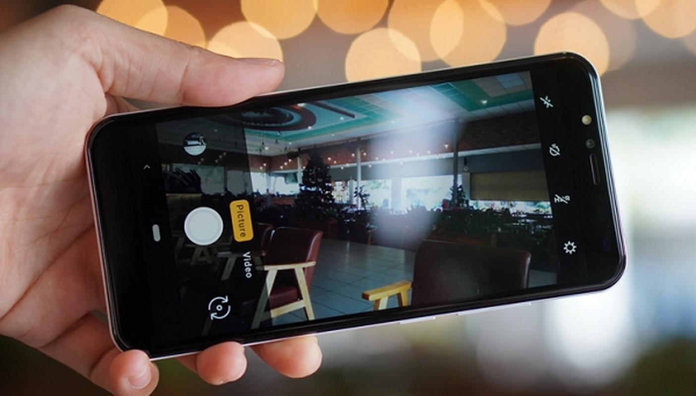 """Co gi ben trong chiec """"smartphone quoc dan"""" gia 600 nghin dong-Hinh-10"""