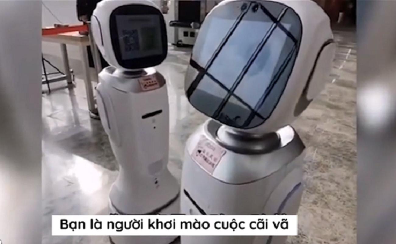 "Thuc hu chuyen 2 robot ""cai nhau"" trong thu vien gay sot mang xa hoi-Hinh-2"