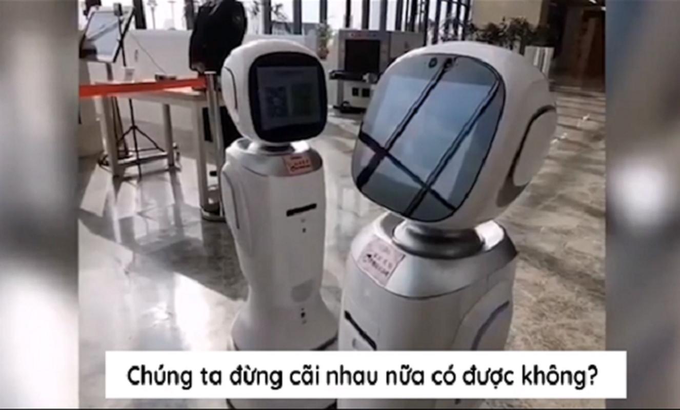 "Thuc hu chuyen 2 robot ""cai nhau"" trong thu vien gay sot mang xa hoi"
