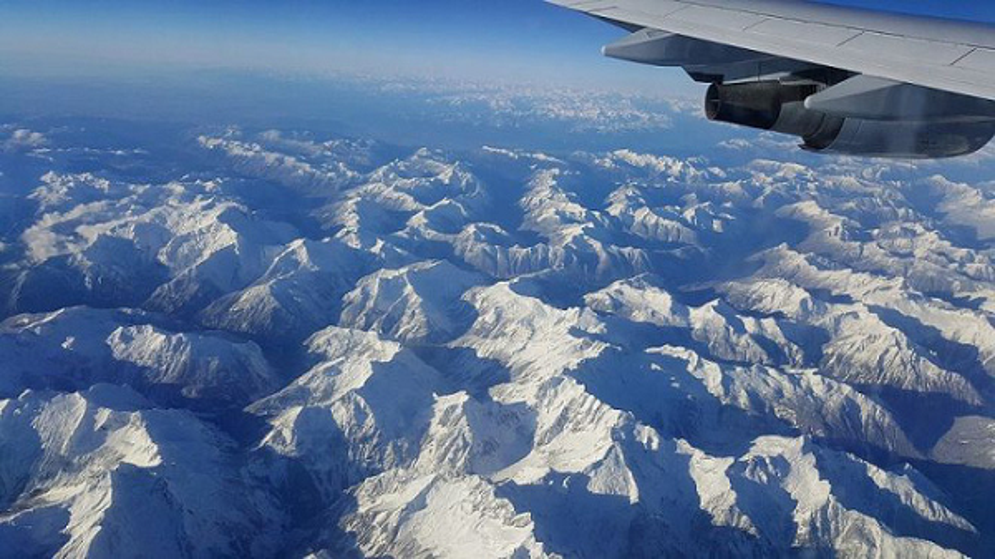 Chieu cao dinh Himalaya khien may bay dan su kho xu ly khi gap su co-Hinh-7