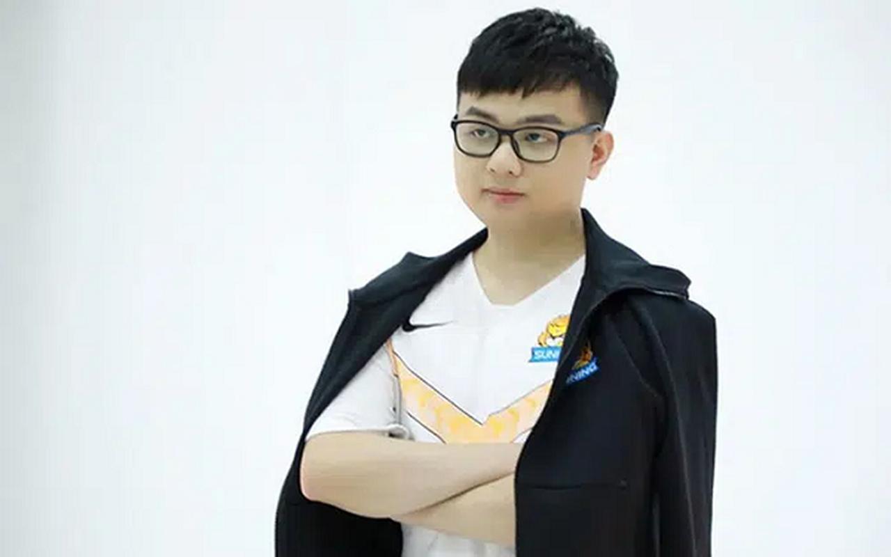 """Fan Trung Quoc phat hoang khi """"Than rung"""" mac quan dui khi am 6 do-Hinh-5"""